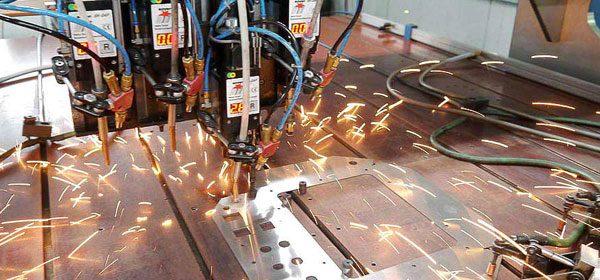 Blechtechnik Blechbearbeitung Bolzenschweissen